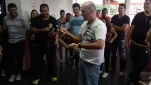 manipulacao-serpentes-cobras-tocandira