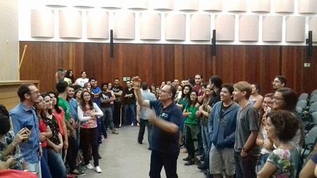 Marcus Buononato em sua palestra da Universidade Católica de Brasília - DF.